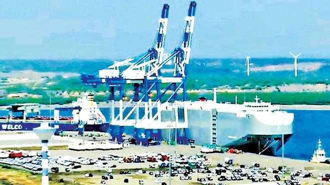 """Vành đai, con đường"""" và ngoại giao bẫy nợ, TQ đang """"nuốt"""" các cảng biển từ Á sang Âu"""