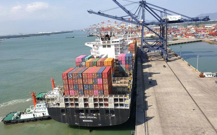 Cảng SSIT đón tàu lớn đi Bắc Mỹ giữa mùa dịch Covid-19