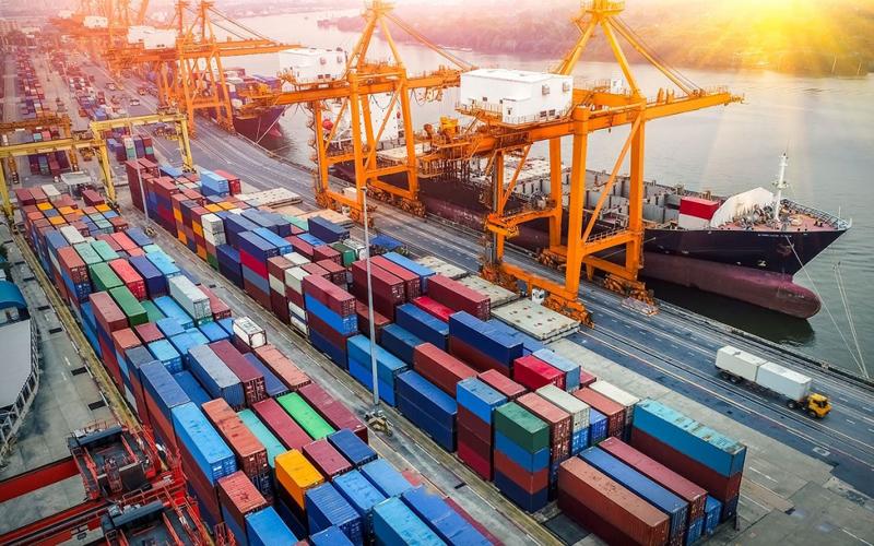 Thiếu container rỗng trầm trọng: Để không đứt gãy, tạo cơ chế cho phát  triển - VOV Giao thông